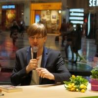 Alek Rogoziński w empik Arkadia_15