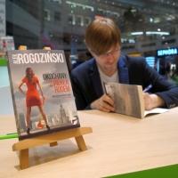 Alek Rogoziński w empik Arkadia_34