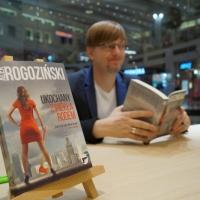 Alek Rogoziński w empik Arkadia_35